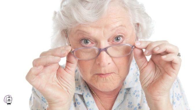 anciana asustada