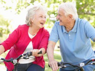 ancianos en bici