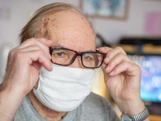 anciano aislado coronavirus