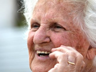 felicidad anciana