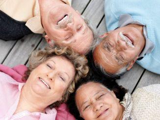 ancianos felices